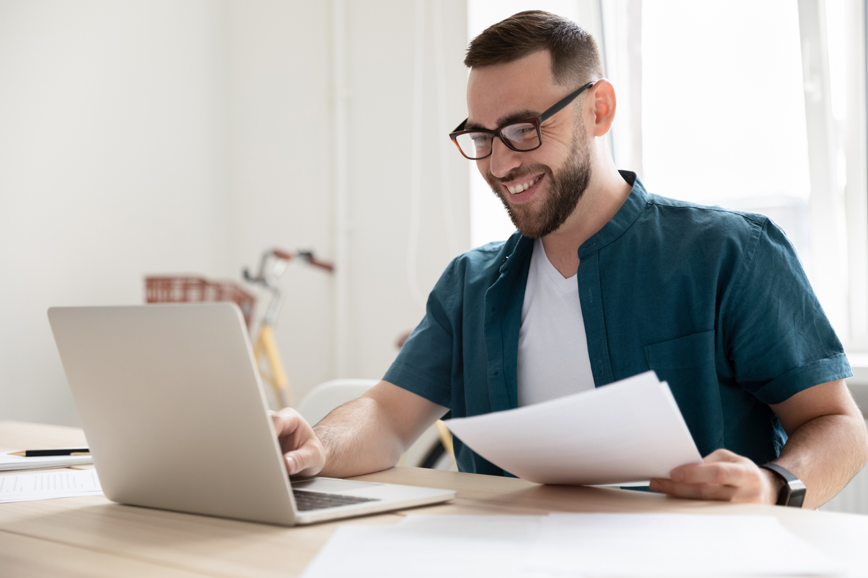 Ecommerce business owner setting up an LLC