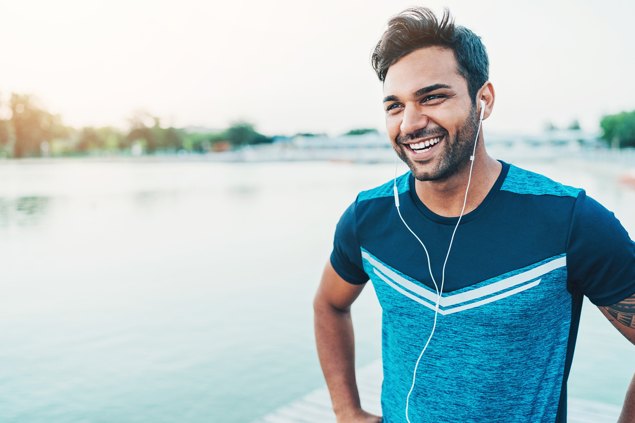 Dropshipper starting his morning with exercise as one of his realistic daily habits
